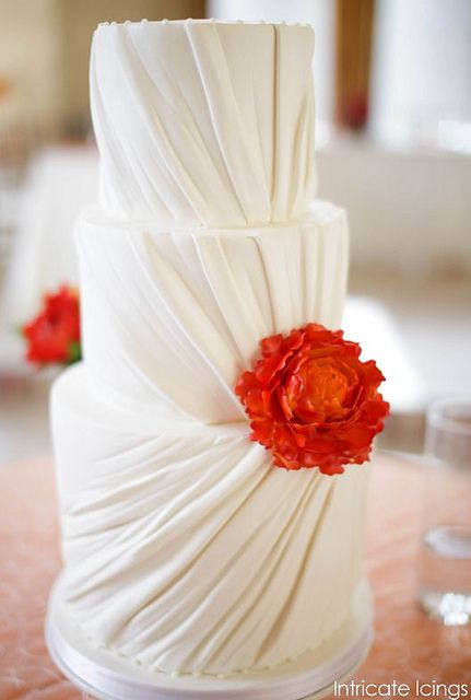 So simple, but very realistic wedding cake!