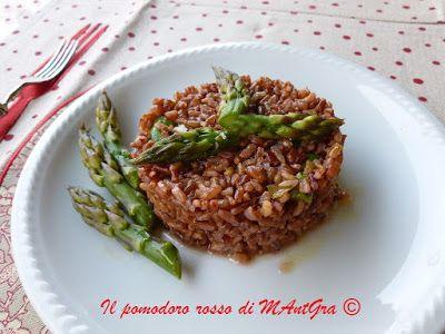 Il Pomodoro Rosso di MAntGra: Riso rosso Selvaggio e asparagi