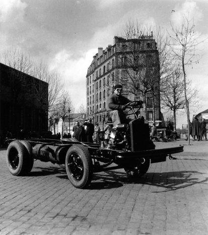46 best vintage images on pinterest - Garage renault boulogne billancourt ...