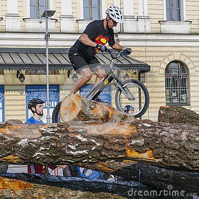 World Cup held on the weekend of may 2016 in the square of Jan Nowak-Jeziorański in Krakow.   Read more at http://www.wkrakowie.pl/artykul/trial-rowerowy---inauguracja-pucharu-swiata-w-krakowie