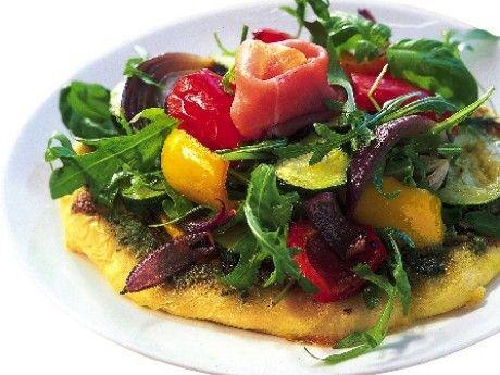 Pizza med pesto och ugnsbakade grönsaker