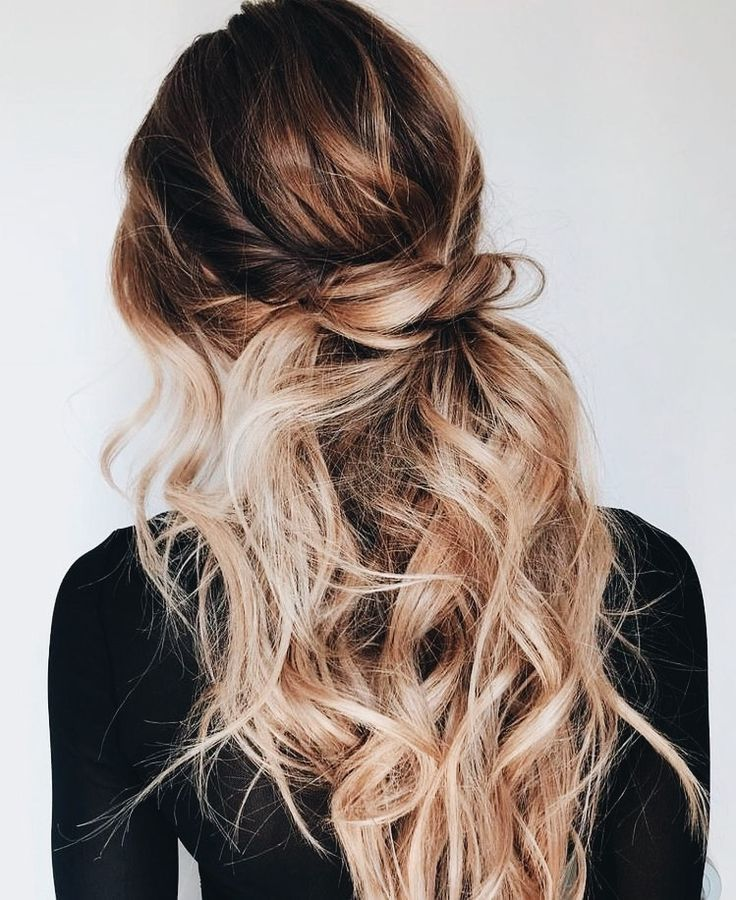 Cute Easy Casual Hairstyles Inspiration Half Up Hair Ideas Half Up Top Knot Bun Pretty Wavy Hair Blonde Soft Waves Hair Curly Hair Styles Hair Styles Hair