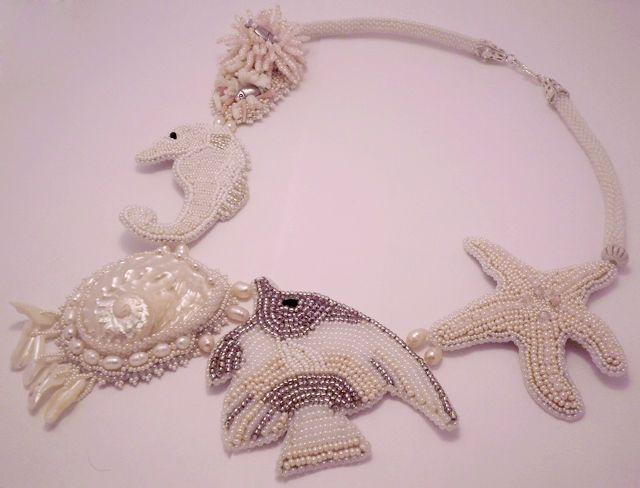 Купить Колье Коралловый риф - бисер, коралл, лето, море, белый, украшения ручной работы