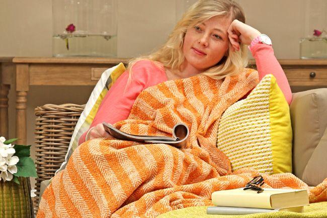 Sesli Chenille Throw Blankets