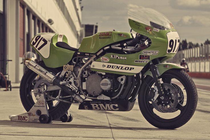 Vintage Kawasaki. Awesome 80's superbike.
