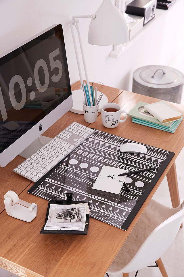 die besten 25 schreibtischunterlage papier ideen auf pinterest kunst studio zimmer g nstige. Black Bedroom Furniture Sets. Home Design Ideas