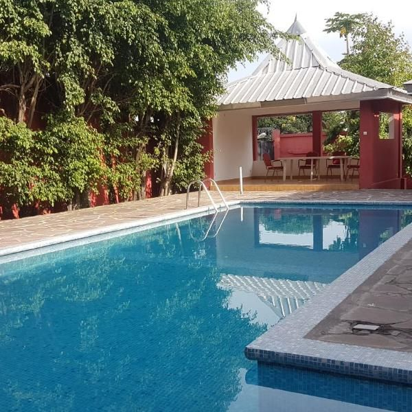 La Montagne Located In Brazzaville La Montagne Offers Accommodation With A Terrace And Free Wifi All Of The Outdoor Swimming Pool Outdoor Pool Swimming Pools