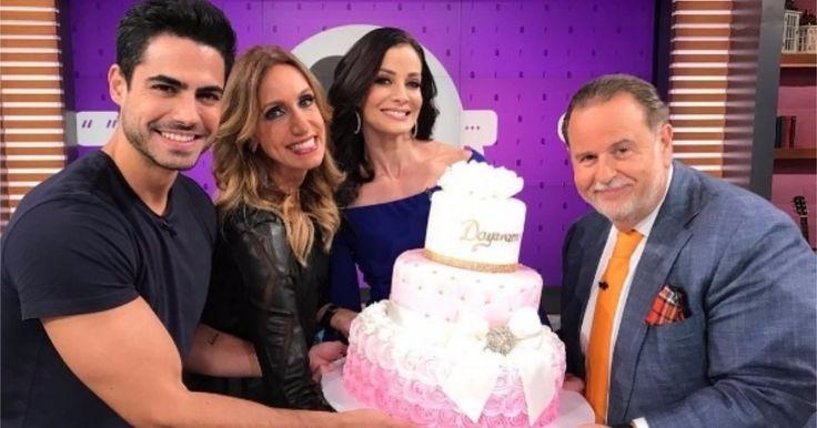"""Sorprenden a Dayanara Torres en """"El Gordo y La Flaca"""" con un pastel de… #Farándula #cumpleaños #DayanaraTorres #ElGordoyLaFlaca #pastel"""