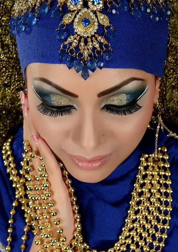 MU by:Arisa's Makeovers Photo by:Afsha Siddiqui
