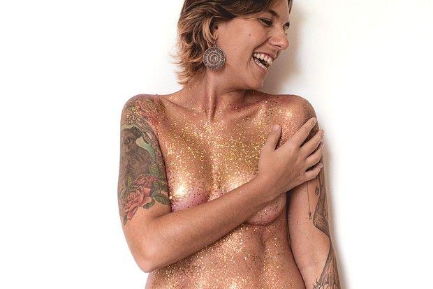 Projeto Na Pele: um ensaio sensual com pessoas reais tatuadas. Fotógrafo: Felipe Lorega;
