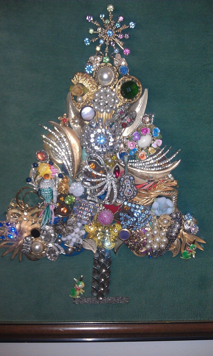 74 best vintage jewelry christmas trees by sunnydayvintage for Unique one