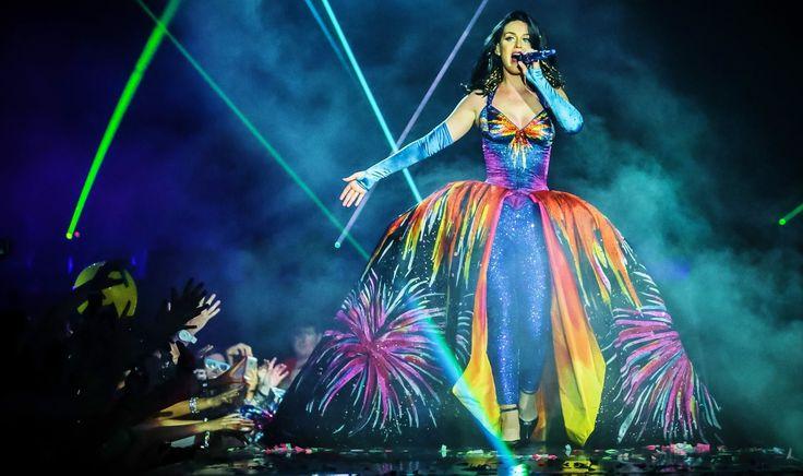 Katy Perry - Firework - Prismatic World Tour EPIX