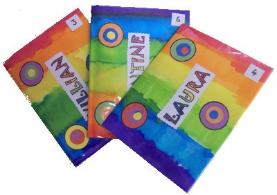 Couverture du cahier de liaison - La maternelle de ChocolatineBonne idée le n° dans l'ordre alphabétique qui permet de voir rapidement qui manque...  J'adopte !