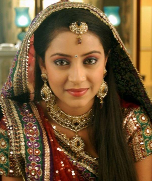 Pratyusha Banerjee 'Anandhi'