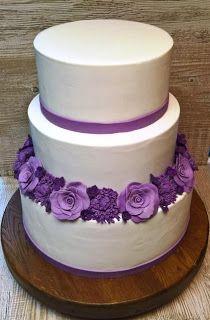 Torty ciasta i ciasteczka Joli: Tort weselny z fioletowymi kwiatami :)