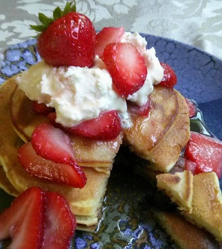 His Domesticated Culinarian: Blueberry Pancakes with Strawberries and Mascarpone