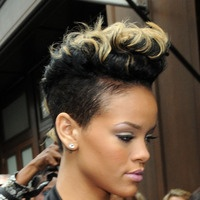 Rihanna Hairstyles Best 14 Hair ◇ Images On Pinterest  Rihanna Hairstyles Hair Dos