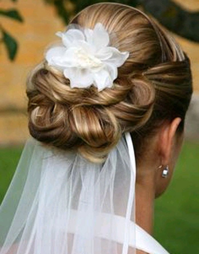 Open evening events at Hadleigh Hats and Wedding Nites