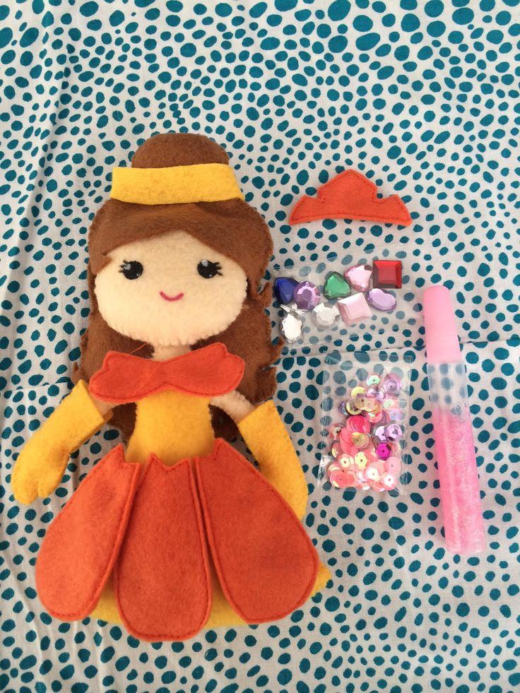 Pipoka Play Kits: Como sería tu princesa? Play kit de princesa Belle y accesorios hechos en fieltro. Incluye pegante y figuras decorativas para que puedan crear la princesa como cada una quiera. Pedidos a pipoka@pipokaplaykits.com