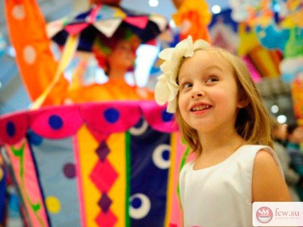Детская ярмарка - отличная идея для праздника https://www.fcw.su/blogs/moi-rebenok/detskaja-jarmarka-otlichnaja-ideja-dlja-prazdnika.html  Что может быть лучше веселого детского праздника на открытом воздухе?! Игры, развлечения, конкурсы, призы, воздушные шары, яркие цвета, звонкий смех – это детская ярмарка, которую вы можете устроить в своем дворе или в местном парке.