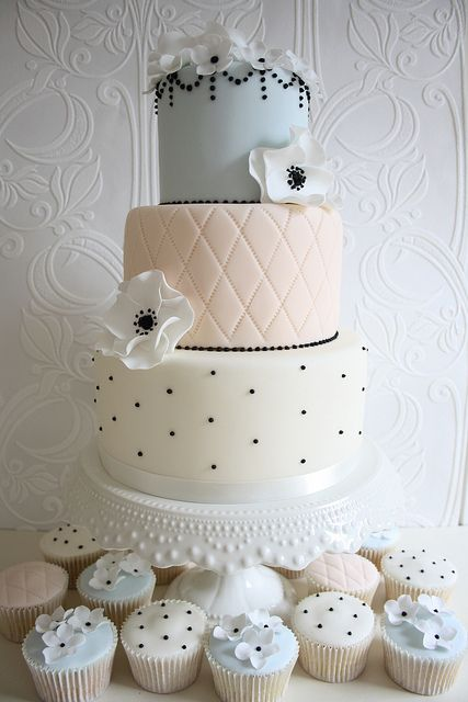 ♥ Simple pastels wedding cake