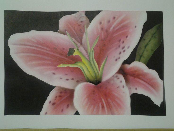 Lilium dipinto ad aerografo