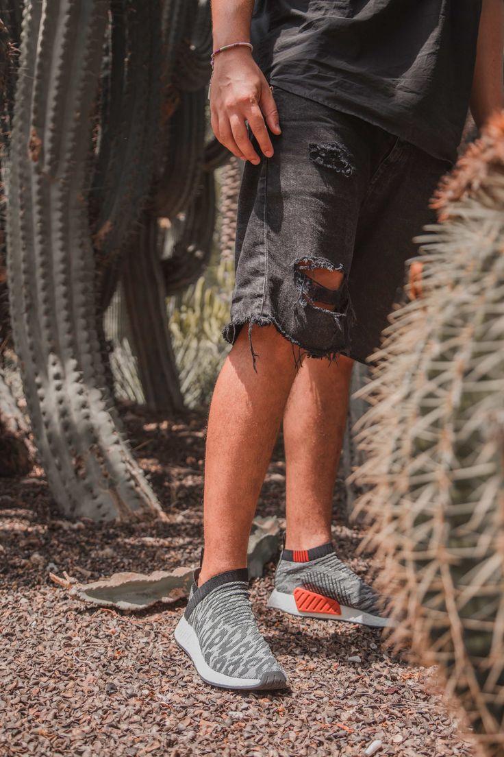 Las nuevas Adidas NMD CS_2⚡️ tienen una silueta minimalista y envolvente que se ajusta a tu pie como un guante🔝.Una vez te las pruebes no habrá vuelta atrás😉.Ven a 👉Zapatos Mayka👈.  https://www.zapatosmayka.es/es/catalogo/hombre/adidas-originals/deportivos/zapatillas/421060563644/nmd-cs2-pk/