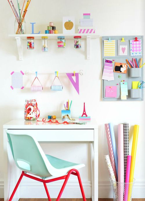 Love the #DIY storage on the wall