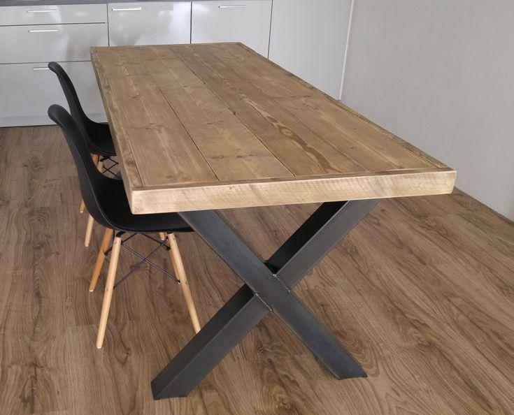 Tafel steigerhout met metalen poten, Voorschoten