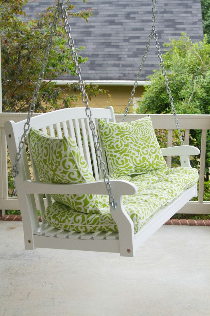 Things I Need In My Future House Home: Comfy Front Porch Swing (for