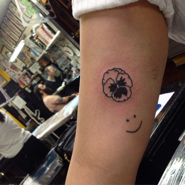 25+ Best Ideas About Pansy Tattoo On Pinterest