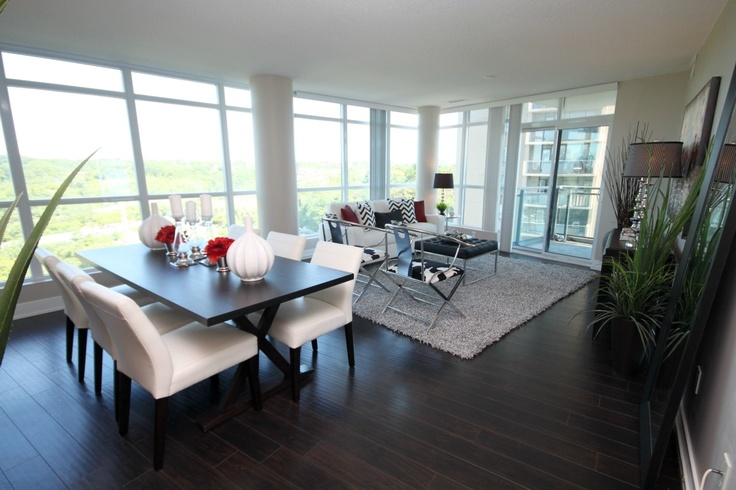 Vacant toronto condo by d2g stagings by design to go for Kitchen ideas queensway
