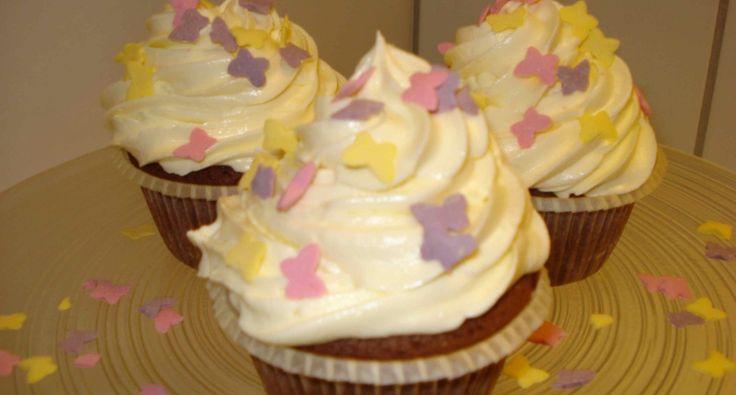 Csokoládés cupcake recept krémsajtos toppinggal   APRÓSÉF.HU - receptek képekkel