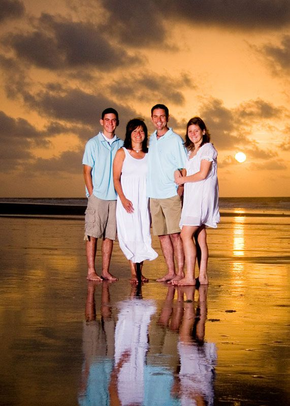 Wake up early for a SUNRISE PORTRAIT SESSION in HHI with Memory Lane Portraits!