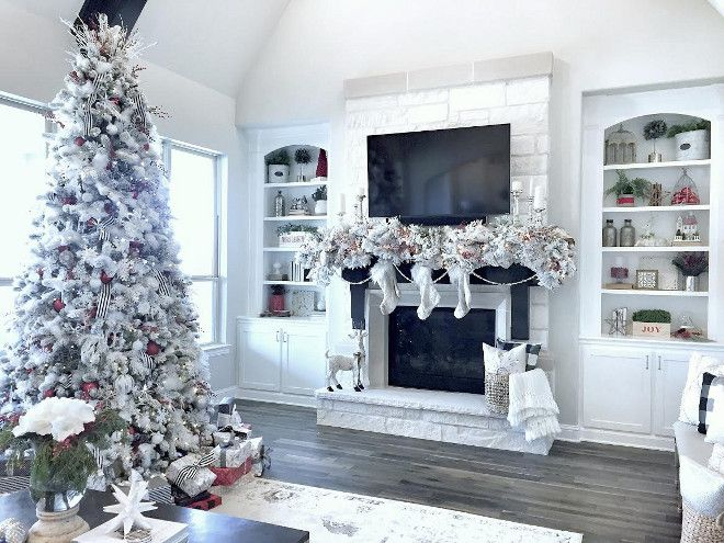 Beautiful Homes Of Instagram Christmas Special Command Stripsarlington Texasholiday Decoratingmantleschristmas Decormerry