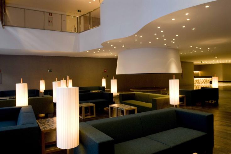 Panticosa Resort - Situado a 1.636 metros de altitud, en un enclave privilegiado cerca de algunas de las cumbres más altas del Pirineo de Huesca, allí encontrarás, el Hotel Continental, un 4 estrellas moderno y espacioso, condimentado con una Gastronomía muy especial.