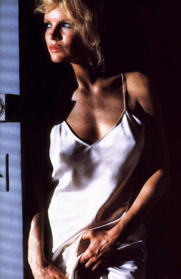 Kim Basinger in NINE 1/2 WEEKS | Hurracan | Pinterest ...