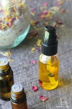DIY Face Serum Recipe - This amazing face serum recipe promotes collagen production, hydrates and plumps skin, helps to even skin tone and fade brown spots, supports scar healing, soothes eczema and psoriasis, and makes skin glow!