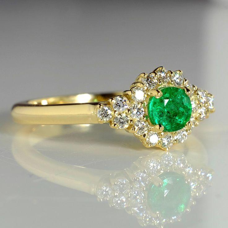 Inel de logodna din aur, cu smarald si diamante II Cod produs: i122650SmDi