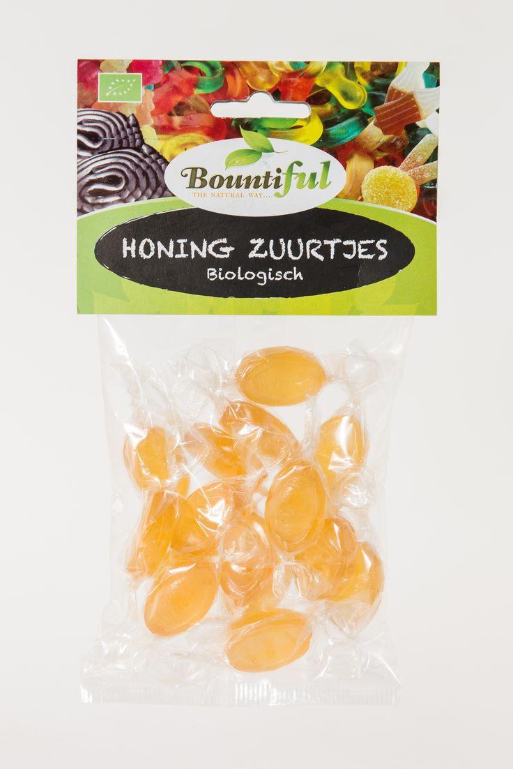 Honing zuurtjes Bio. Ons biologische snoep is uitsluitend gemaakt met natuurlijke ingredienten. Het snoep wordt onder andere gekleurd door zeewier en de sappen van groentes en fruit. De heerlijke smaken komen onder andere van kruidenextracten en honing. Het snoep bevat suiker of suikervervangers zoals honing of agave, maar welk zoetmiddel er ook in zit, deze is altijd biologisch. Een heerlijke traktatie voor tussendoor.  Bountiful Honing Zuurtjes Bio zijn glutenvrij.
