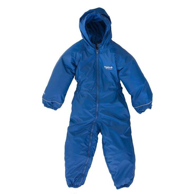 Dit pak is niet alleen een kinder regenpak maar kan, door gebruik van slimme materialen ook als kinder skipak worden gebruikt. Dat betekent dubbel plezier, zowel in de regen als in de sneeuw!