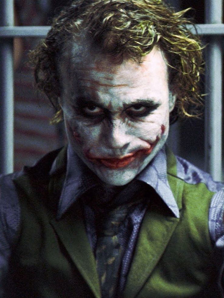 "Heath Ledger - Joker in The Dark Knight   Coringa em ""Batman - O Cavaleiro das Trevas""."