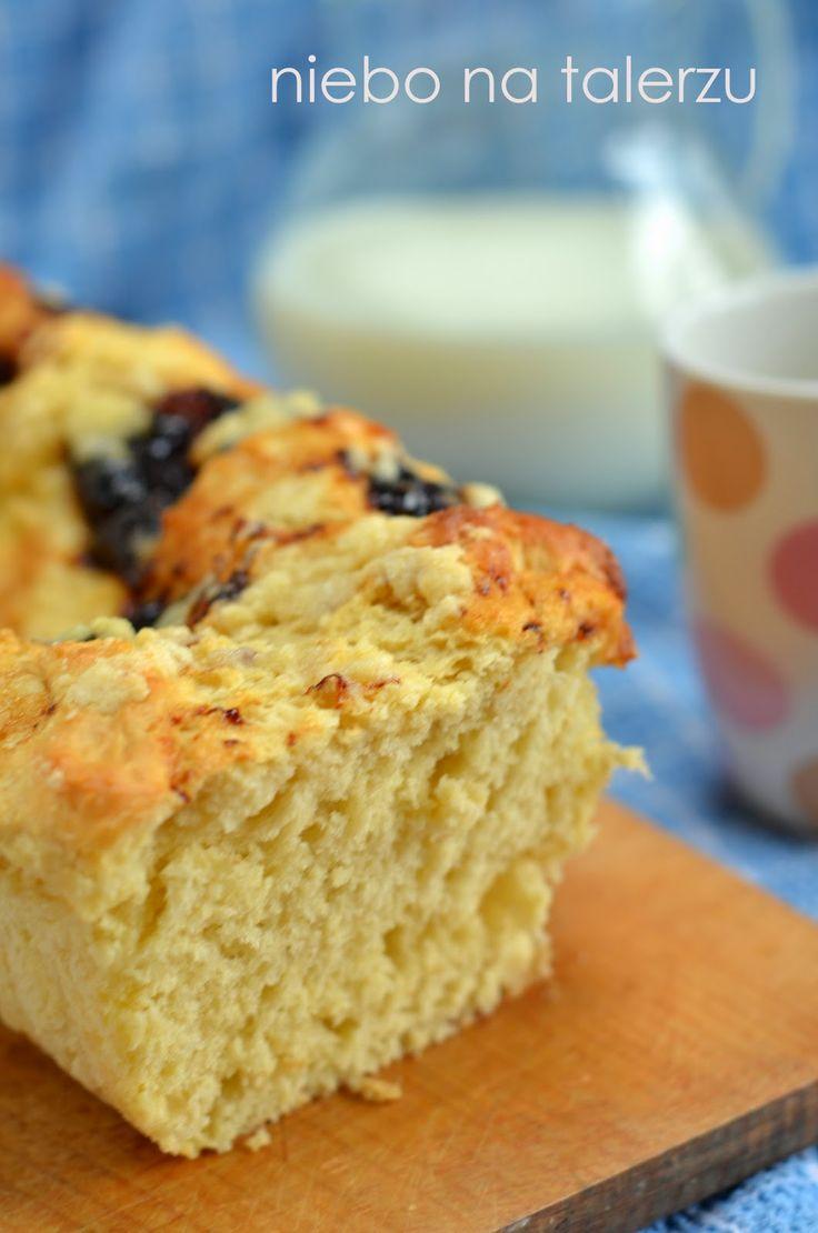 niebo na talerzu: Puszyste ciasto drożdżowe z powidłami