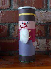 Oatmeal canister (or any canister really) into a toy solider! Cute and fun kids craft.