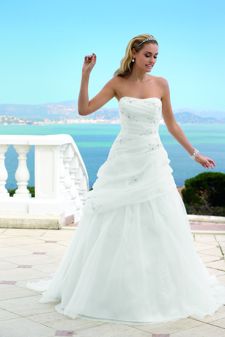 12 best Brautkleid images on Pinterest | Wedding dressses, Bridal ...