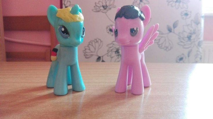 And, so, all the G8 members (G7, if we don't include Russia) are made into MLP figures! YAY! :), , ,