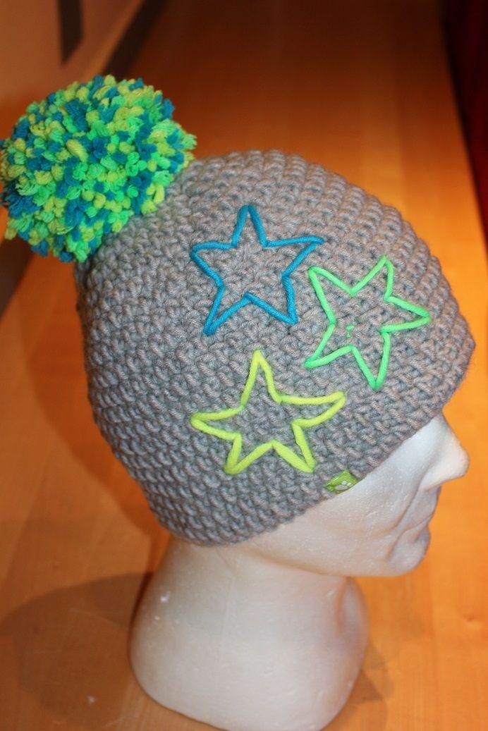 Bommelmütze im schlichten Grau mit Neon Sternen - einfach nur toll <3