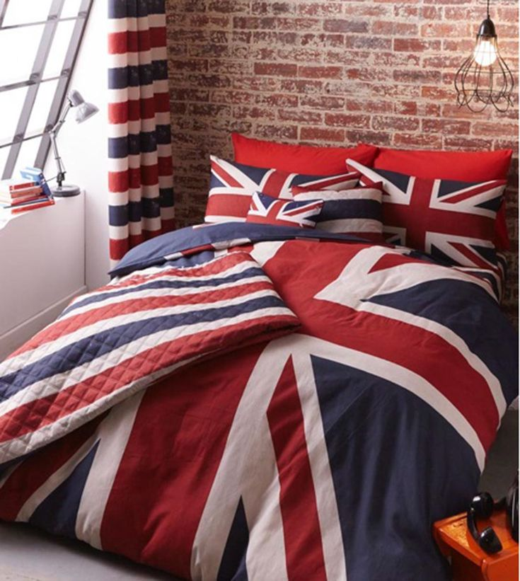 Reversible Great Britain duvet cover which co-ordinates with our Union Jack & London accessories for kids & teenagers