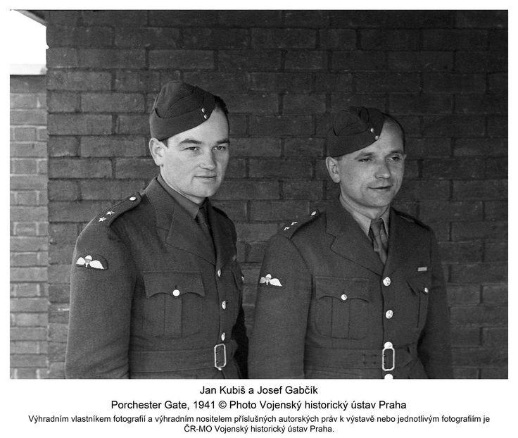Jan Kubiš and Josef Gabčík, Porchester Gate, 1941