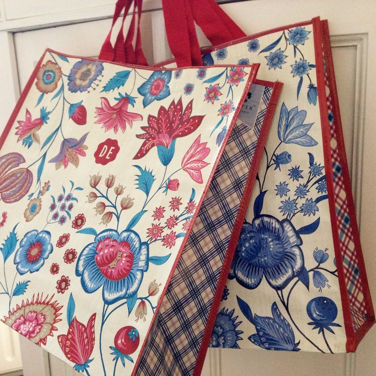 Hylper shoppers - www.hylperheritage.nl #HylperHeritage #DouweEgberts #bloemen #ruiten #floral #shopper #bag #shoppingbag #tas #boodschappentas #colorful #lifestyle #living #hindeloopen